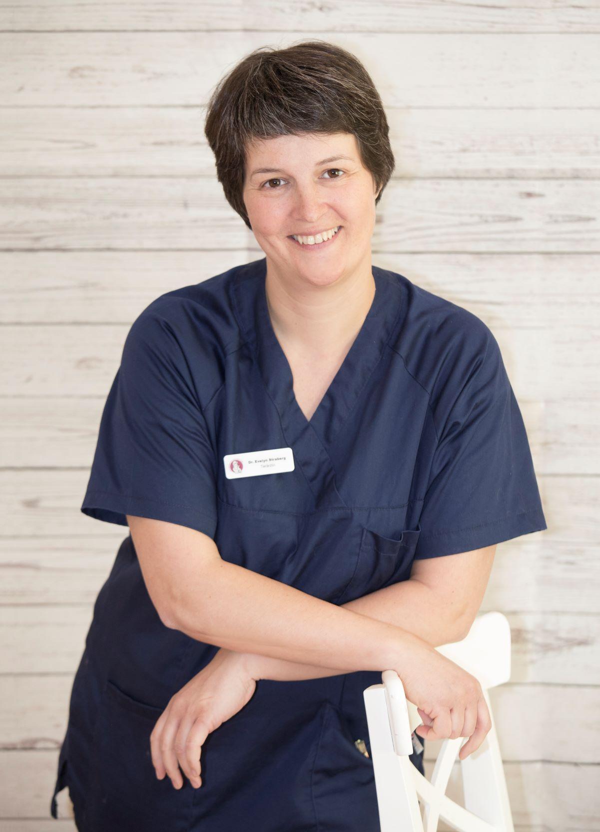 Dr. med. vet. Evelyn Straberg